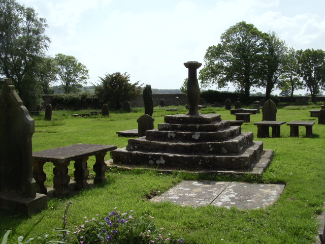 Ribchester church has an ancient graveyard, and this plinth inspired a chapter of a book I've been working on. It's a sundial, possibly dating back to the 17th century.
